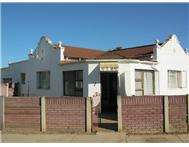 2 Bedroom House for sale in Uitenhage Central