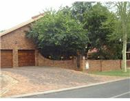 R 2 000 000 | House for sale in Geelhoutpark Ext 6 Rustenburg North West
