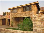3 Bedroom Townhouse to rent in Honeydew