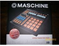 Native Instruments MASCHINE (lates...