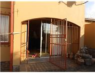 3 Bedroom Townhouse for sale in Die Heuwel