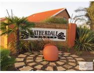 R 1 100 000 | Townhouse for sale in Bonaero Park Kempton Park Gauteng