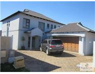 4 Bedroom House for sale in Greenstone Hill