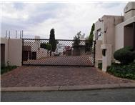 Townhouse to rent monthly in RADIOKOP ROODEPOORT