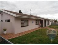 3 Bedroom 2 Bathroom House for sale in Strand