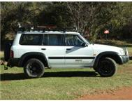Nissan Patrol 4.5E GL Exstras: Roofrack sound Winch Spot Lights.