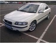 VOLVO S60 2.4T - AUTOMATIC (SUNROOF)