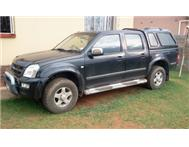 2006 black Isuzu D/C for sale