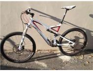 Specialized Stump Jumper 26 dual suspension mountain bike LARGE