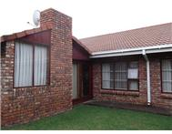 R 1 599 000 | Townhouse for sale in Dan Pienaar Bloemfontein Free State