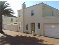 R 3 950 000 | Townhouse for sale in Kenilworth Southern Suburbs Western Cape