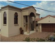 R 2 650 000 | House for sale in Wilgeheuwel & Ext Roodepoort Gauteng