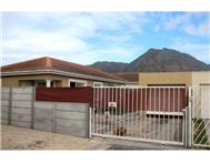 3 Bedroom cluster in Muizenberg