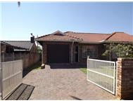 R 950 000 | Townhouse for sale in Protea Park Ext 2 Rustenburg North West