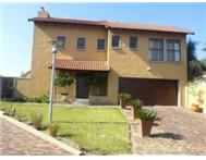 Cluster to rent monthly in FOURWAYS SANDTON