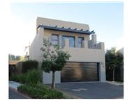 4 Bedroom simplex in Plattekloof