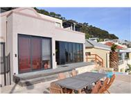 House For Sale in GREEN POINT CAPE TOWN