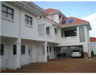 Cluster to rent monthly in KENILWORTH CAPE TOWN
