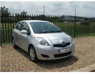 2011 TOYOTA YARIS AUTOMATIC HATCH