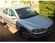 2002 volvo s60 good condition R56 000