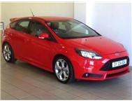 Ford - Focus 2.0 GTDi ST1 5 Door