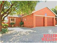 4 Bedroom Townhouse for sale in Honeydew Ridge