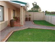 3 Bedroom House for sale in Hartenbos