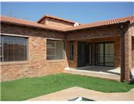Townhouse For Sale in Honeydew Manor ROODEPOORT