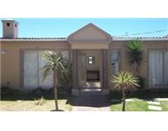 GARDEN COTTAGE IN RONDEBOSCH EAST