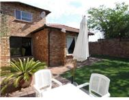 3 Bedroom Apartment / flat for sale in Sundowner