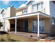Townhouse to rent monthly in PINNACLE POINT GOLF ESTATE MOSSEL BAY