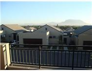 3 Bedroom House for sale in Plattekloof