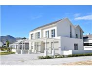 3 Bedroom house in Val De Vie Winelands Lifestyle
