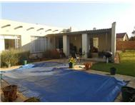 R 880 000 | House for sale in Petersfield Springs Gauteng