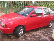 Red Polo Playa 1.8i 2000 model
