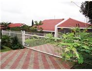 6 Bedroom House for sale in Rooihuiskraal