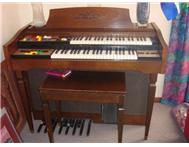 Lowry organ to sell