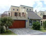 2 Bedroom House for sale in Sandbaai