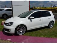 VW GOLF 6 GTi 2.0T (M) A REAL LOOKER!!!!