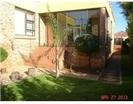 P24-100998800. 3 bedroom Rental to rent in Florida glen Roodepoort