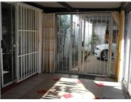 2 Bedroom House for sale in Humansdorp