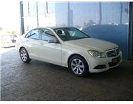 Mercedes Benz - C 180 (New Generation) Blue Efficiency Classic 7G-Tronic Plus