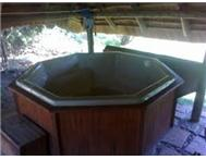 JACUZZI EIGHT SEAT SECOND HAND